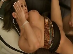 Porno: Sik, Böyük Döşlər, Çalanşik, Döşlər