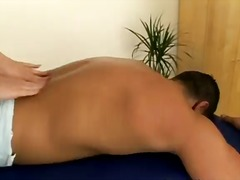 Porr: Brunett, Rakad, Massage
