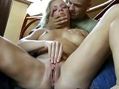 Porno: Qırxılmış, Sarışın