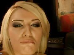 Porn: Loura, Fisting, Dildo