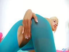Skinny blonde hottie emma mae enjoys deep fingering her sexy twat during impressive solo