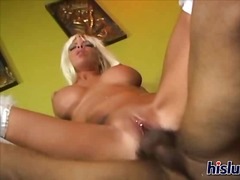 Porno: Garās Zeķes, Sekss Trijatā, Sunīšu Stils, Pīrsings