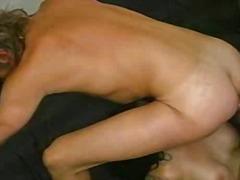 Porno: Tetování, Orál, Trojka, Bisexuálové