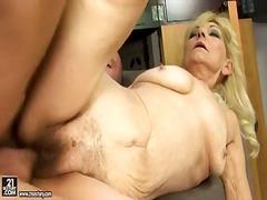 Porn: Kosmata Muca, Velike Joške, Penis, Velik Kurac