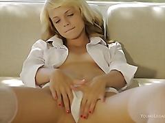 Porn: Najstnica, Masturbacija