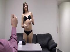 جنس: السمراوات, مراهقات, مقابلة عمل