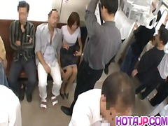 جنس: تحت التنورة, سيدات رائعات, استراق النظر, يابانيات