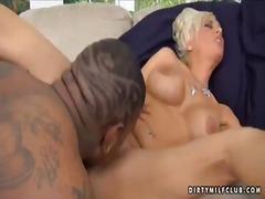 Porno: Mustanahaline, Milf, Küps