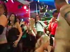 جنس: نساء كاسيات ورجال عراه, حفلة, الجنس فى مجموعة