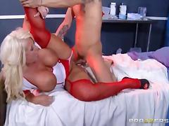 Porno: Loqkat, Cicëmadhet, Cicëmadhet
