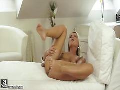 Porno: Alleen, Masturbatie, Tieten, Blond