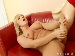 Porno: Lezbi, Yumruqla Sikmək