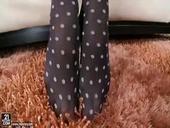 جنس: شقراوات, حب الأرجل, السمراوات