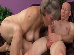 Porno: Masturbasya, Üstünə Qurtarmaq, Qoca Nənə, Sifətə Tökmək