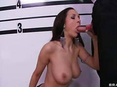 Порно: Естествени Цици, Брюнетки, Цици, Милф