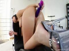 Porno: Masturbaatio, Hierominen, Lelu, Dildo
