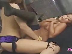 Порно: Дилдо Со Колан, Јапонско, Високи Чорапи, Лезбејки