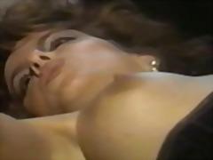 Porn: Սեքս Երեքով, Ներխուժում, Հարդքոր, Պոռնո Աստղ