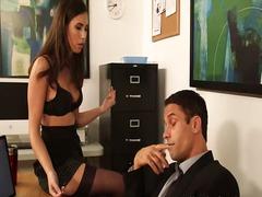 Porno: Në Zyre, Cica, Sekretareshat, Zeshkanet