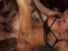 Порно: Молоденька, Втрьох, Брюнетки