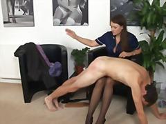 Porno: Výprask, Mučení Mužů