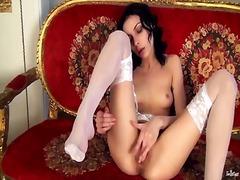 Porno: Brunete, Singure, Sex Cu Degetul