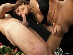 Porno: Dones Amb Cigala, Anal