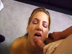 Porno: Hardporno, Cumshot, Brunette, I Ansiktet