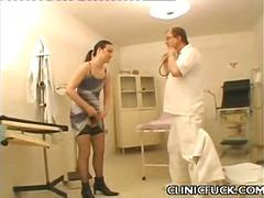 Porno: Brunetes, Tīņi, Ginekologs