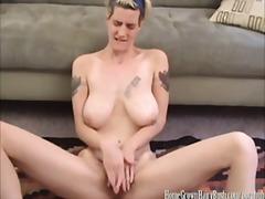 ポルノ: マスターベーション, タトゥー, 指マンプレイ, オーガスム