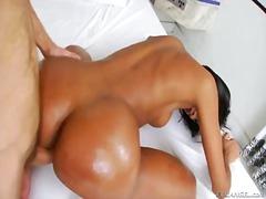 Seks: Penetrasi Ganda, Pantat Besar