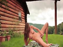 Porno: Dildo, Çöldə, Tənha, Çöldə