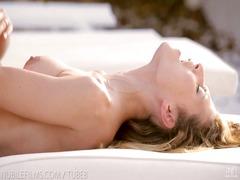 Porno: Orgasm, Keelekas, Loomulikud Rinnad, Kõhn