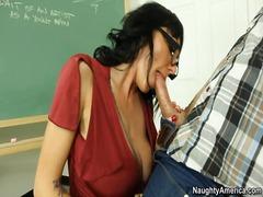 Πορνό: Δασκάλα, Βυζάκια, Ισπανικό