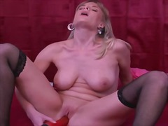 Porno: Masturbaatio, Univormu, Lateksi, Lelu