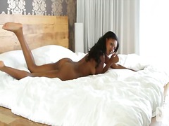 Porn: Աղջիկ, Ծիտ, Մեղմ, Լեդի