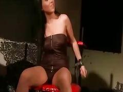 Porno: Zonjat Mjeshtre, Vajzat, Pornoyje, Poshtëruese