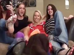 جنس: حب الأرجل, شقراوات, حب الأرجل, نساء مسيطرات
