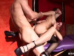 Phim sex: Một Nam Hai Nữ, Chơi Ba, Âm Đạo