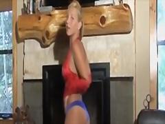 Porno: Striptizerka, Modelet