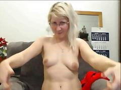 Porno: Sarışın, Yaşlı, Masturbasya