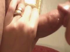 Porno: Bjondinat, Milf, Sperma Shkon Zhag