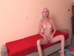 Porno: Gjyshet, Cica, Striptizerka