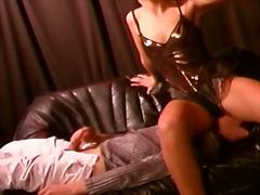 Porno: Sxoylamaq, Siqaret Çəkən, Irgənc, Sarışın
