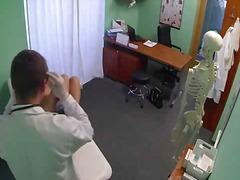 Porn: S Prsti, Blondinka, Joške, Doktor
