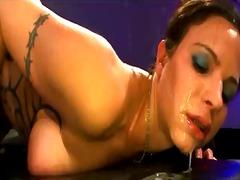 Порно: Мочање, Трескање, Еуро, Свршување