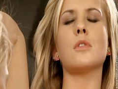 جنس: سحاقيات, قبلات, الزبار الصناعية, سحاقيات