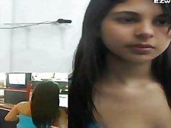פורנו: מצלמות אינטרנט, במשרד, אוננות, סולו