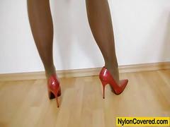 جنس: جوارب طويلة, بلل, نكاح اليد, كساس حليقة