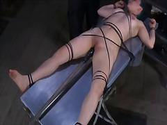 پورن: شدید, تنبیه بدنی, برده, تحقیر کردن